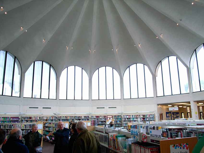 Frederick Gibberd _ Fulwell Cross Library int _ London